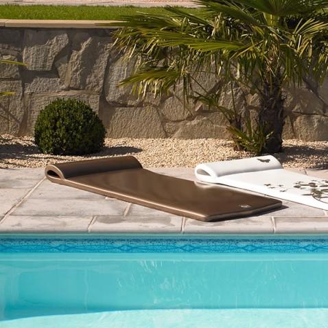 bar flottant pour piscine max min. Black Bedroom Furniture Sets. Home Design Ideas