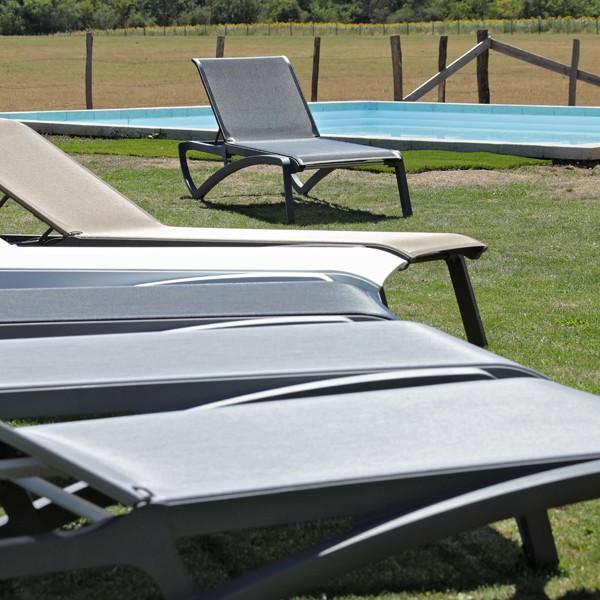chaise longue de piscine. Black Bedroom Furniture Sets. Home Design Ideas